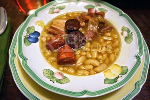 Spanish Fabada (Fabada Asturiana)